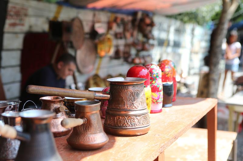 第比利斯琳琅满目的跳蚤市场。摄影:赵冰