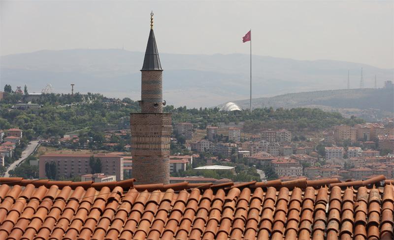 从古堡俯瞰安卡拉市容。摄影:孟菁