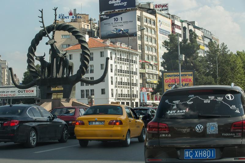 新途观在安卡拉街头。摄影:孟菁