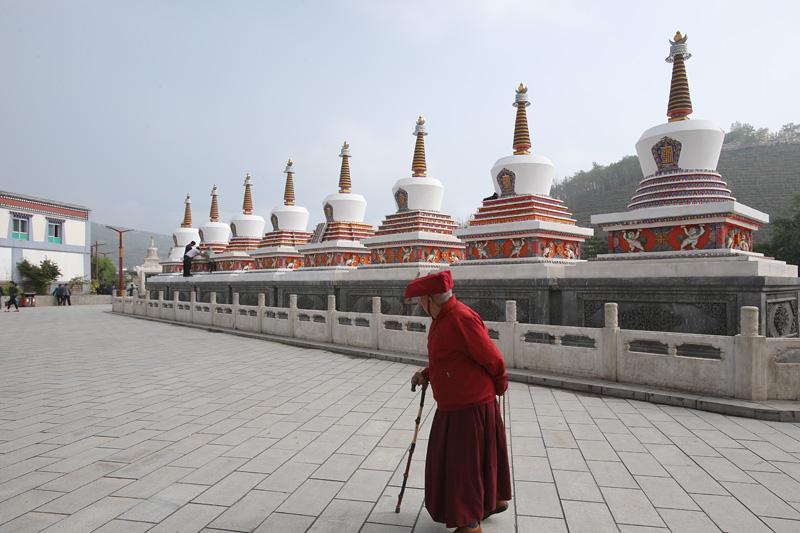 塔尔寺是中国西北地区藏传佛教的活动中心,在中国及东南亚享有盛名,历代中央政府都十分推崇塔尔寺的宗教地位。摄影:赵冰